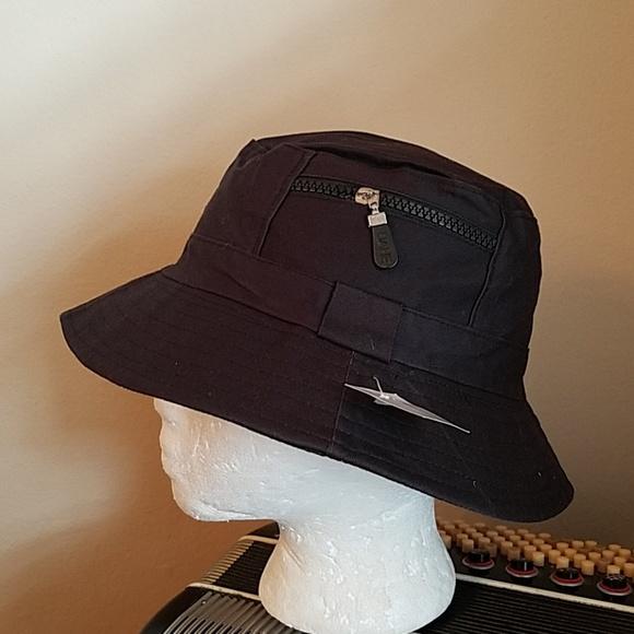 850d0e1c6c3 NWT- MENS REVERSIBLE BLACK FISHING BUCKET HAT. M 5b79e5efc89e1db0ec3ac400